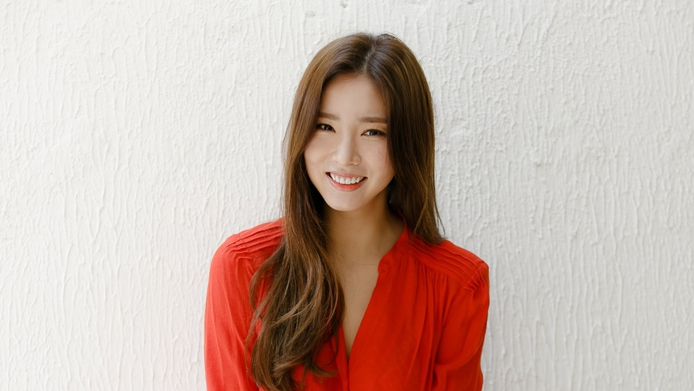 shin sekyung offered lead female role in tvn drama series