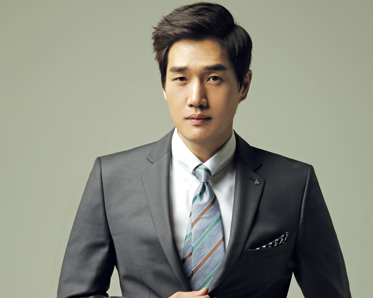 Yoo Ji-Tae في محادثات لبطولة دراما Mad Dog | Kdrama Stars 1